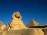The Sphinx, Pyramids at Giza, Egypt Fotografiskt tryck av Kenneth Garrett