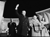 President Gerald Ford at the Lighting of the National Christmas Tree, Washington, D.C., 1976 Plakat af Marion S. Trikosko