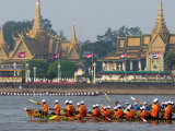 Cambodian Racers Row Their Wooden Boat Photographic Print by Heng Sinith