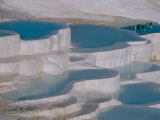 Limestone Hot Springs and Reflection of Tourists, Cotton Castle, Pamukkale, Turkey Fotografisk tryk af Cindy Miller Hopkins