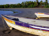 Fishing Boats Moored on Sand at Morro Negrito, Panama Fotografiskt tryck av Paul Kennedy