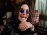 Ozzy Osbourne, Lead with Rock Band Black Sabbath Sitting at Home, October 1998 Fotodruck