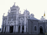 Exterior of Cathedral Los Angeles, Cartago, Costa Rica Photographie par Scott T. Smith