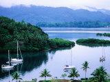 Overhead of Yachts in Savu Bay, Fiji Fotografie-Druck von Peter Hendrie