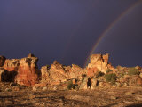 A Double Rainbow after a Storm Over an Ancient Anasazi Site Lámina fotográfica por Ira Block