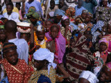 Crowds Gather in Celebration of the Kano Durbar Festival, Kano, Nigeria Fotografisk tryk af Jane Sweeney