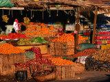 Vegetable and Fruit Stand, Sharm El-Sheikh, Egypt Fotografie-Druck von John Elk III