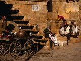 Local Men Sip Tea on Street, Jaisalmer, Rajasthan, India Fotografiskt tryck av Jane Sweeney