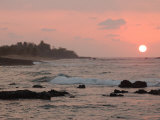 Big Island of Hawaii - Sunset from Beach Photographie par Keith Levit