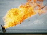 Oil Well Fire Fotografisk tryk af W. E. Garrett
