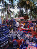 Bags And Jewellery At Flea Market, Anjuna, India Lmina fotogrfica por Setchfield Neil