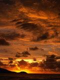 Sun Setting Over Patong Beach, Phuket, Thailand Fotografisk tryk af Paul Beinssen