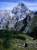 Hikers on Konigsee-Wimbachtal Below South Peak of Waltzmann, Berchtesgaden, Bavaria, Germany Fotografisk trykk av Grant Dixon