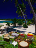 Banquet on Beach, Cook Islands Fotografisk tryk af Peter Hendrie