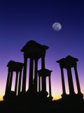 Pedestals of Tetrapylon and Moon at Sunset, Palmyra, Syria Fotografiskt tryck av Mark Daffey