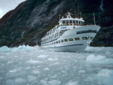 Cruse Ship, Tracy Arm Fjord, Alaska Photographic Print by Pat Canova