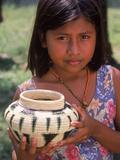 Local Girl with Pottery, Panama Fotografie-Druck von Bill Bachmann