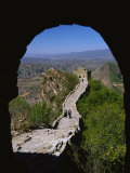 A View Through an Arched Window of the Great Wall Fotoprint van Raymond Gehman