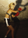 Female Boxer Practicing Photographie