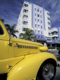 Ocean Drive with Classic Hot Rod, South Beach, Miami, Florida, USA Fotografie-Druck von Robin Hill