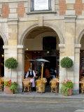 Sidewalk Cafe in the Marais, Paris, France Stampa fotografica di Lisa S. Engelbrecht