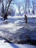 Flyfishing in Provo River on Cold Morning, Wasatch Mountains, near Heber, Utah, USA Photographie par Howie Garber