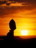Balance Rock at Sunset, Arches National Park, Utah, USA Lámina fotográfica por Jerry & Marcy Monkman