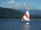 Sailing on Lake Siskiyou, Mt. Shasta, CA Photographic Print by Mark Gibson