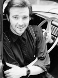 Midge Ure Singer Pop Group Ultravox Music Sitting in Car Arms Folded, 1985 Lámina fotográfica