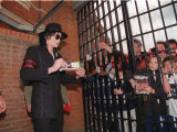 Michael Jackson at the Craven Cottage Football Ground Home of Fulham, April 1999 Photographie