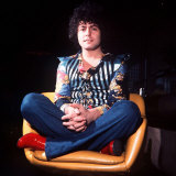 Marc Bolan Leader of Pop Group T Rex Sitting Cross Legged in Chair Fotografisk tryk