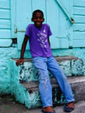 Portrait of Young Boy on Steps, Basseterre, St. Kitts & Nevis Lmina fotogrfica por Richard Cummins