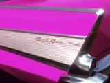 Classique Chevrolet Bel Air rose fucshia Photographie par Bill Bachmann