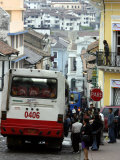 Large Bus in Narrow Street, Quito, Ecuador Fotografiskt tryck av Paul Kennedy