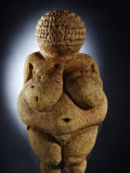 The Limestone Venus of Willendorf is Commonly Assumed to be a Fertility Symbol Fotografisk tryk af Ira Block