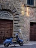 Scooter, Preggio, Umbria, Italy Papier Photo par Inger Hogstrom