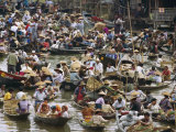 Crowded Floating Market, Laos Fotografisk tryk af Paul Chesley