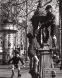 Fontaine Wallace Poster by Robert Doisneau