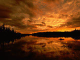 Sunset over Island River Near Lake Superior Fotografie-Druck von Raymond Gehman
