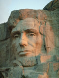 Abraham Lincoln's Face on Mount Rushmore National Monument Lmina fotogrfica por Joel Sartore