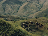 Village Huts in Nkandla Photographie par Dick Durrance II