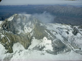 Mount Martin emits sulphurous gases and steam Lmina fotogrfica por W.E. Garrett