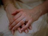 Close View of a Brides Hands Lmina fotogrfica por Joel Sartore