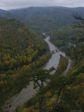 Elevated Autumn View of the Nolichucky River Photographie par Stephen Alvarez