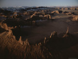 Aerial View of the Rock Formations That Dot Monument Valley Fotografisk tryk af Paul Chesley