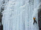 Ice climbing in British Columbia Lámina fotográfica por Jimmy Chin