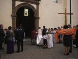 A wedding party outside a church in Quiroga, Mexico, named after Vasco de Quiroga. Lmina fotogrfica por Gina Martin
