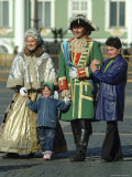 Tourists Pose with Catherine the Great and Czar Alexander Actors Photographic Print by Richard Nowitz