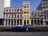 Along the Malecon, Havana, Cuba Fotografisk tryk af Dan Gair
