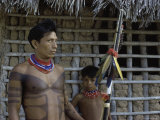 Tapirape Indian Chief and Son, Brazil Lmina fotogrfica